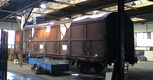 Eén van de Werkspoor-Hbis'en (21 84 225 0 023) in de loods te Blerick, 28 feb 2004 (foto: STIBANS)