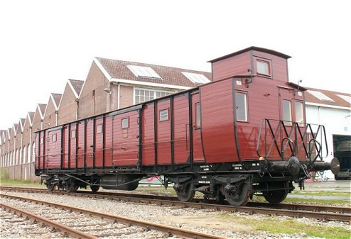 Tijdens de verbouwing van het Spoorwegmuseum verbleef de HSMD in de loods te Amersfoort. (Foto: Patrick Esseling, mei 2004 )